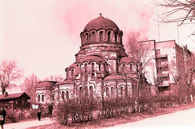 http://images.vfl.ru/ii/1554548832/23116d5f/26079175_m.jpg