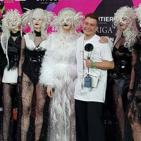 Современные показы моды в Москве и не только - Страница 9 26116277_m
