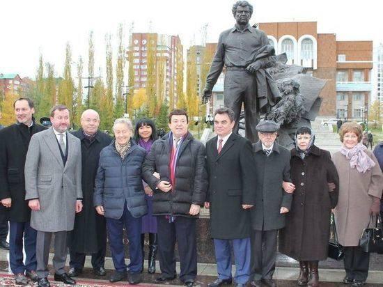 http://images.vfl.ru/ii/1557905135/1220d544/26539937_m.jpg