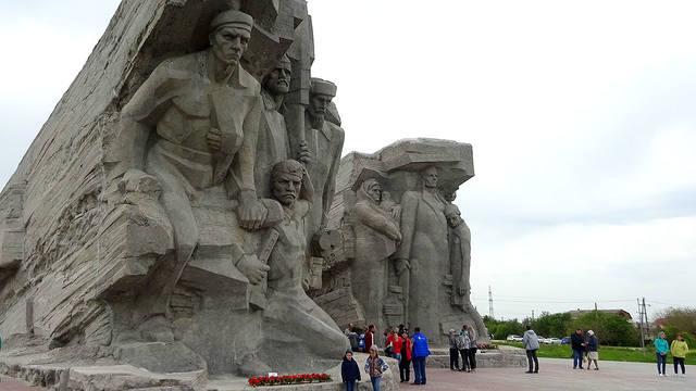 http://images.vfl.ru/ii/1558160996/2b5bfd23/26572540_m.jpg