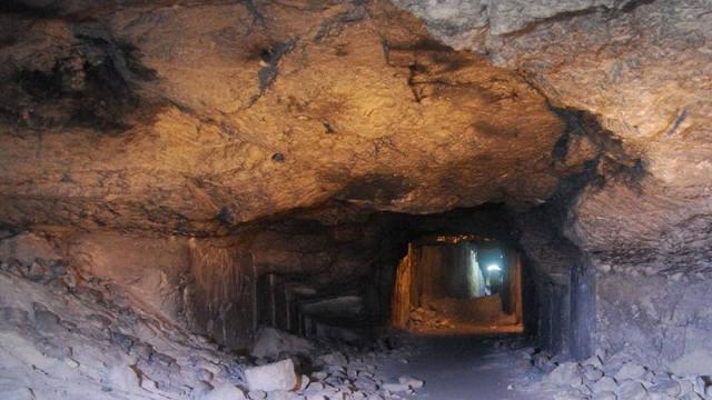 http://images.vfl.ru/ii/1558160997/61a34b2b/26572544_m.jpg