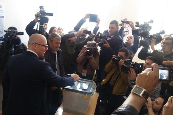 Сербия, Косово, выборы, партии