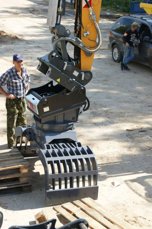 Автоматическая замена навесного оборудования