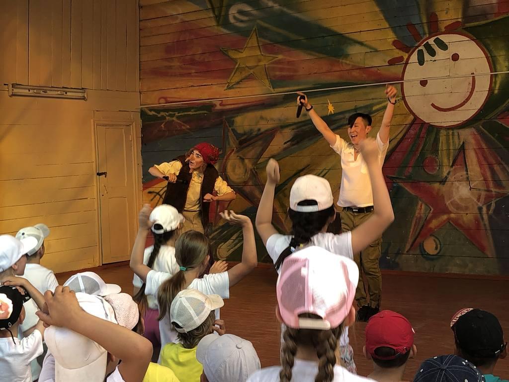 17 июня в 16:30ч. В Детском оздоровительном  Лагере «Березка» состоялась Концертно-игровая программа «Яркое лето!»