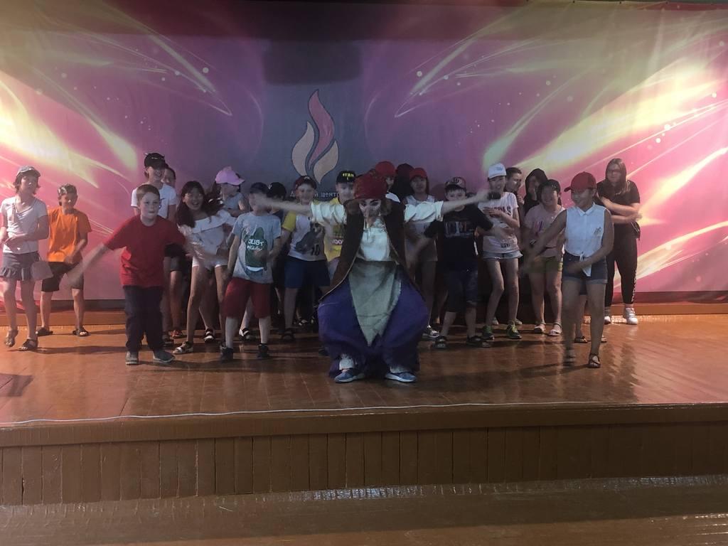 17 июня в 18:00ч. В Детском оздоровительном  Лагере «Огонек» состоялась Концертно-игровая программа «Яркое лето!»