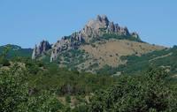 Скалы недалеко от Святой г. Карадага. Фото Морошкина В.В.