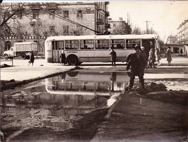 http://images.vfl.ru/ii/1562938237/12768f3b/27186645_m.jpg