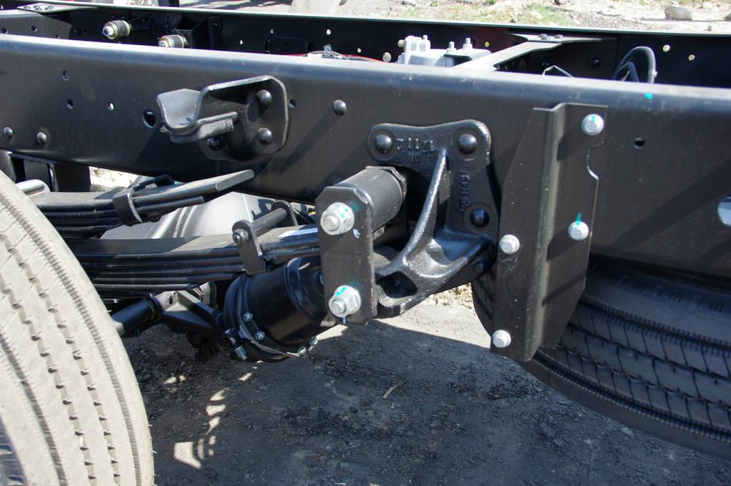 Рессорная подвеска JAC N80 позволяет перевозить 5130 кг