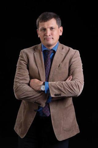 Андрей Анатольевич Логвенков,  генеральный директор компании ООО «СМТ Шарф»