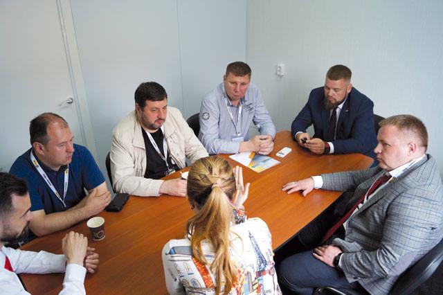 Представители Завода Инновационного Машиностроения (ЗИМ), Уголь России и Майнинг 2019