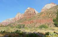 Разноцветные песчаниковые горы в парке Зайон. Фото Морошкина В.В.