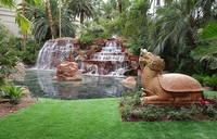 В главном парке Лас-Вегаса с искусственными водопадами. Фото Морошкина В.В.