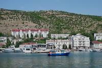 Берег Балаклавской бухты возле Севастополя. Фото Морошкина В.В.