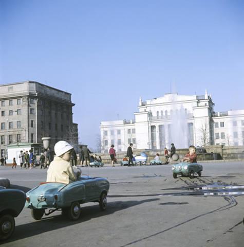 http://images.vfl.ru/ii/1573140059/ef31f5c7/28479386_m.jpg