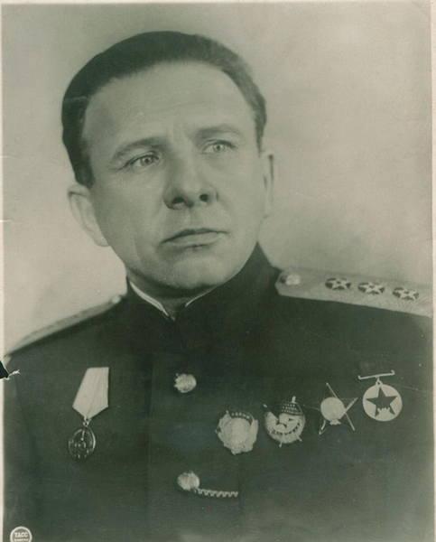 http://images.vfl.ru/ii/1575220861/d9690617/28766747_m.jpg