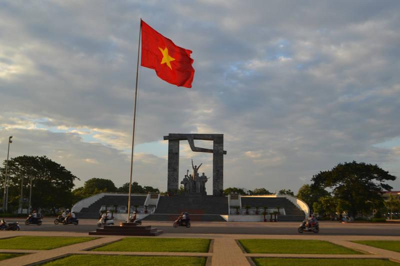 http://images.vfl.ru/ii/1575270761/7a412bc0/28771719_m.jpg