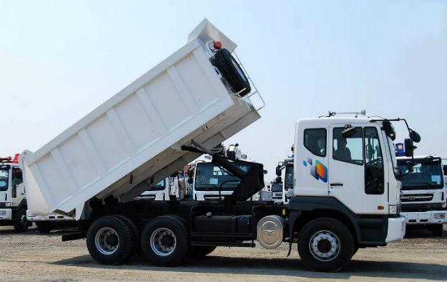 Cамосвал Daewoo Novus. Самые дорогие грузовики. ТОП-10 дорожных самосвалов