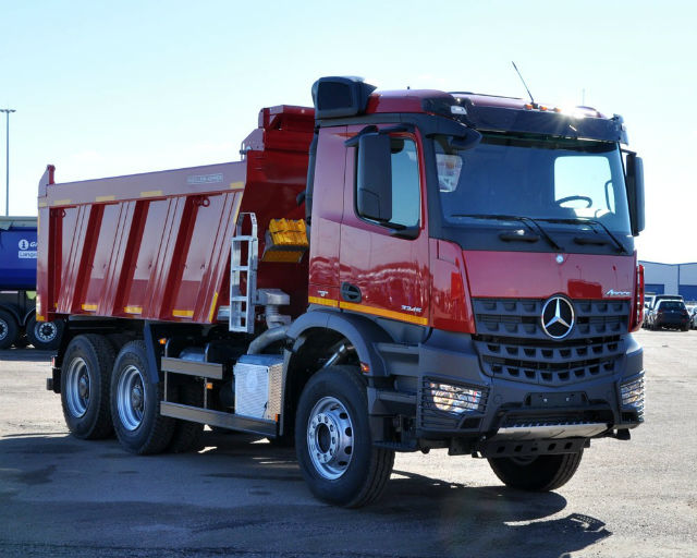 Самосвал Mercedes-Benz Arocs 3345 K. Самые дорогие грузовики. ТОП-10 дорожных самосвалов