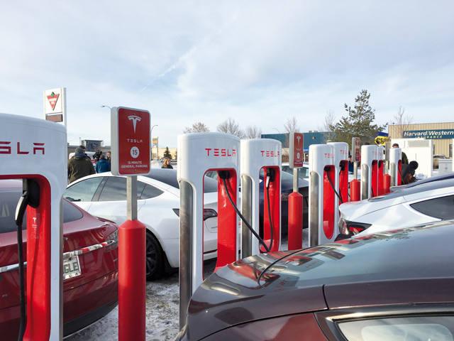 Автозаправочная станция Tesla