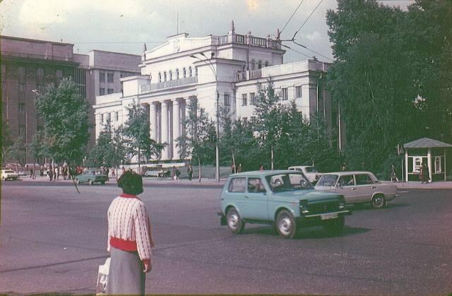 http://images.vfl.ru/ii/1583331628/8225e497/29774543_m.jpg