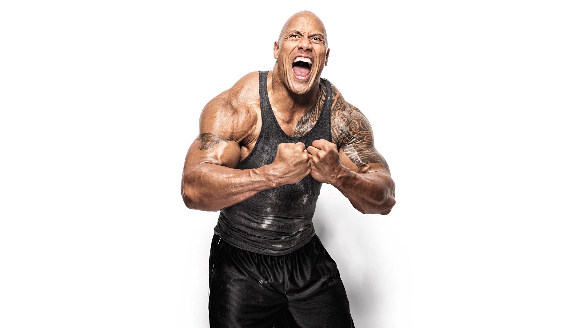 Дуэйн Джонсон вновь засветил фотку, на которой он качает мышцы для роли Черного Адама