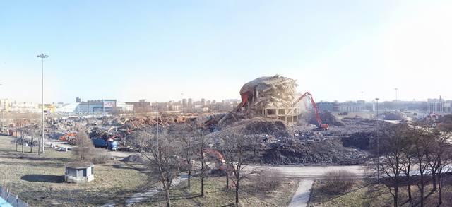 http://images.vfl.ru/ii/1583957708/e16a6111/29845021_m.jpg