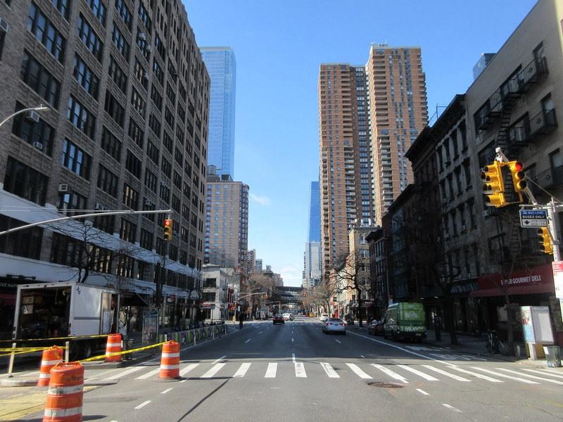 Манхэттен опустел.