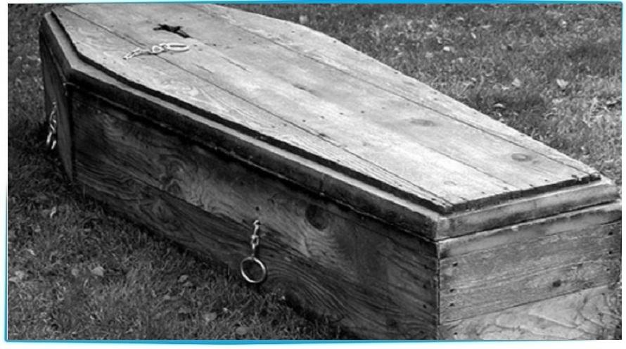 сон деревянный гроб