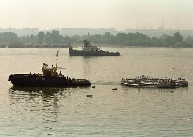 http://images.vfl.ru/ii/1588170032/94cd6556/30364522_m.jpg