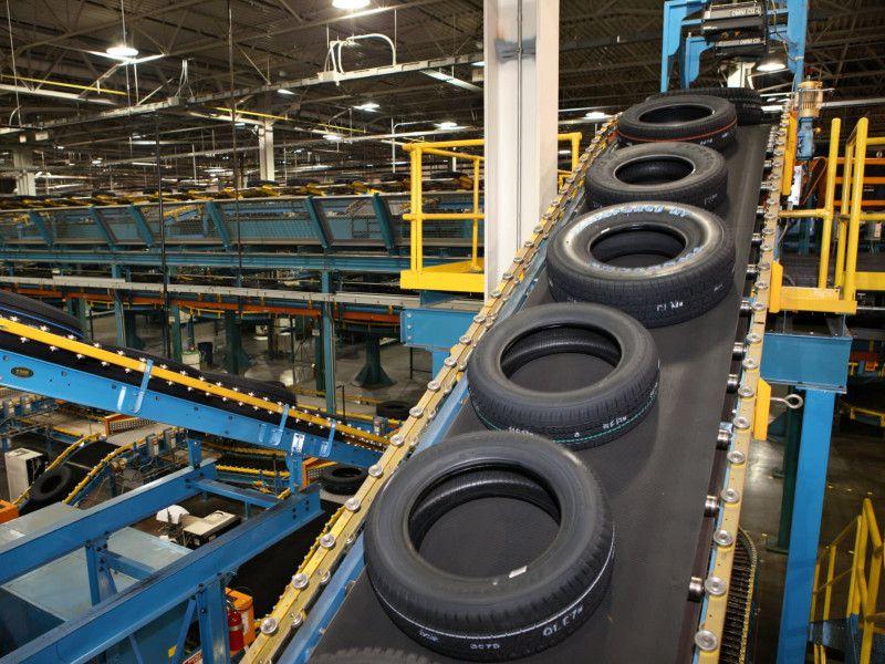 На производстве шин