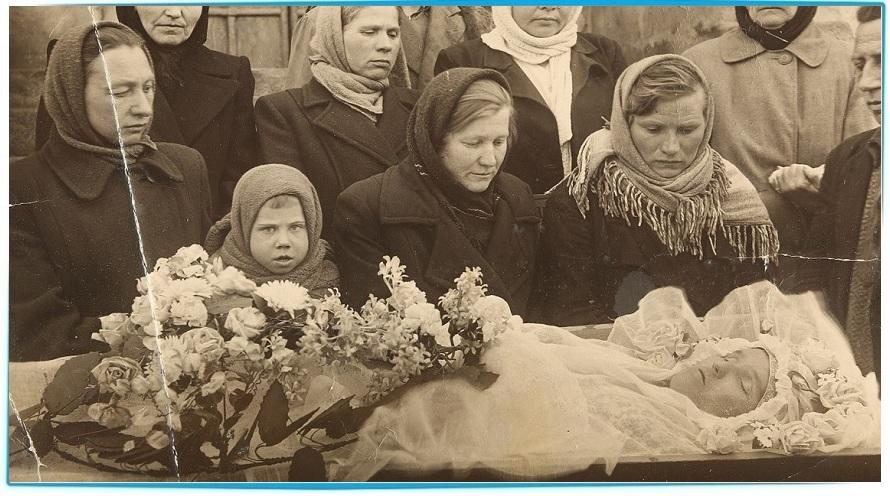 Как  вести себя наедине с покойником перед погребением?