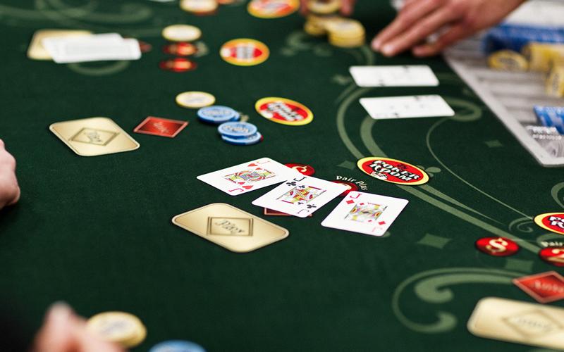 обучение онлайн покеру