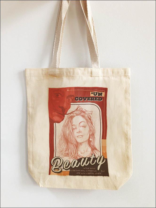 Portrait of woman. Idea e-bag present. Lenskiy.org