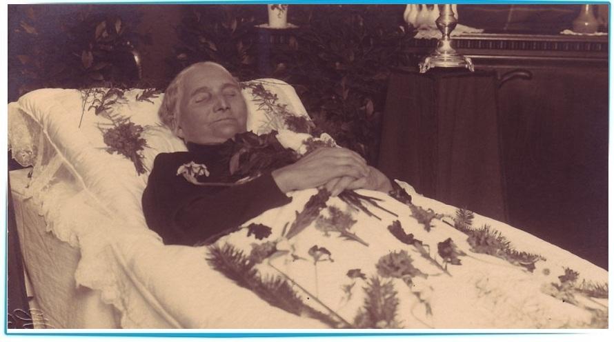 Покойник улыбается в гробу, что это значит