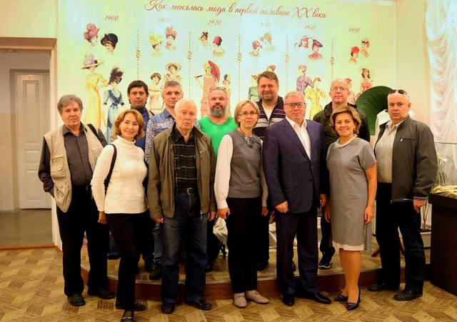 http://images.vfl.ru/ii/1596724211/1eb01503/31271346_m.jpg