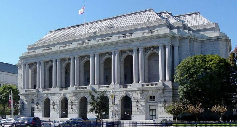 Здание оперного театра «Памяти войны» в Сан-Франциско, где был принят Устав ООН. Современное фото