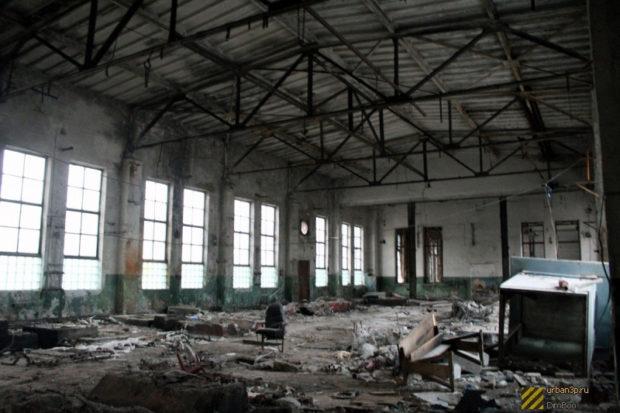 Руины завода по выпуску кислорода
