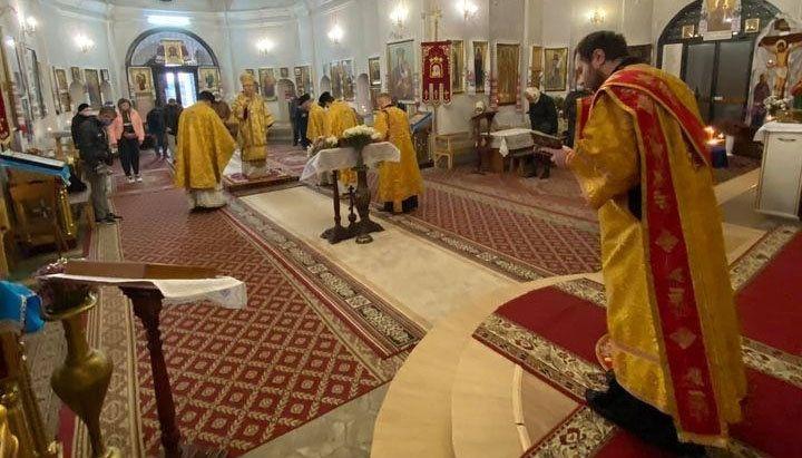 На «богослужении» в Екатерининском соборе Чернигова ПЦУ малолюдно