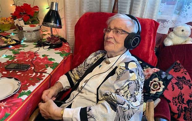 Звукорежиссер Эстонского радио Лейдья Орусаар отметила столетие - Новости радио OnAir.ru