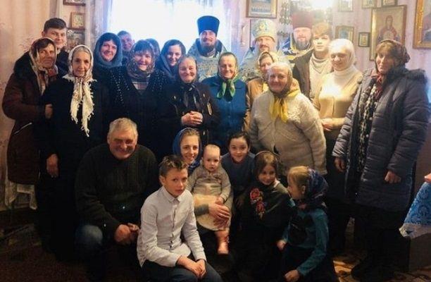 Община исповедников села Печихвосты в своей часовне