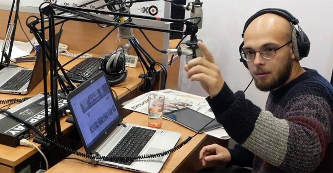 Журналисту «Эхо Москвы в Петербурге» пригрозили обвинением в клевете за пост о полицейских, съевших бургеры из передачи задержанным - Новости радио OnAir.ru