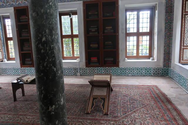 http://images.vfl.ru/ii/1617819189/8c67eb42/33989106_m.jpg