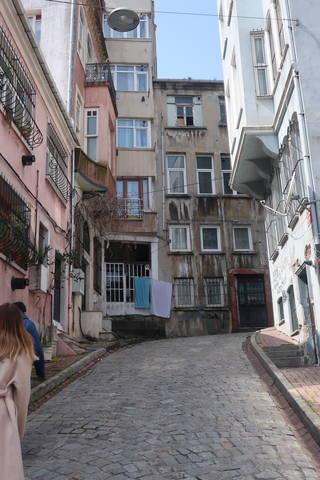http://images.vfl.ru/ii/1617819469/02a547c1/33989182_m.jpg