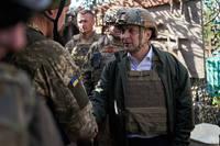 Президент Украины на передовой сражения с Мордором, Башировым и Петровым, и их главарём Путиным
