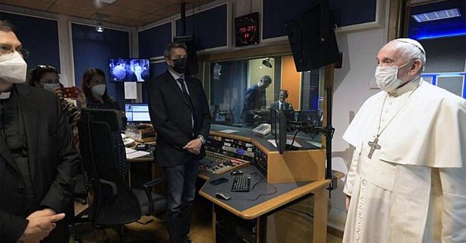 Папа Франциск посетил «Радио Ватикана» - Новости радио OnAir.ru