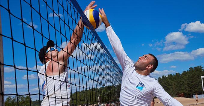 В Солнечном при поддержке «Радио Зенит» состоялся Всероссийский фестиваль пляжного волейбола - Новости радио OnAir.ru