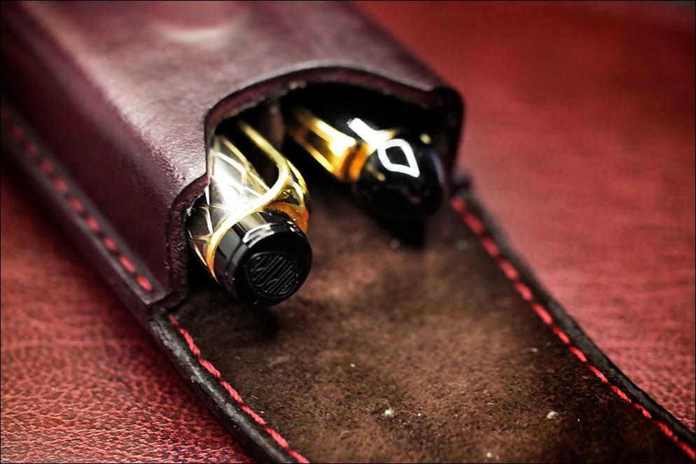 Bourgogne hard leather case for 2 pens. Lenskiy.org