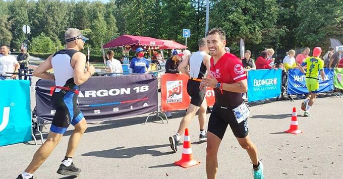Соревнования по триатлону IRONMAN 70.3 прошли в Санкт-Петербурге при поддержке Радио ENERGY - Новости радио OnAir.ru