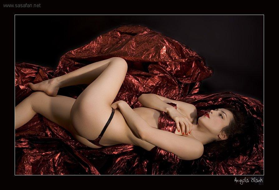 Сати казанова голая грудь 21 фотография