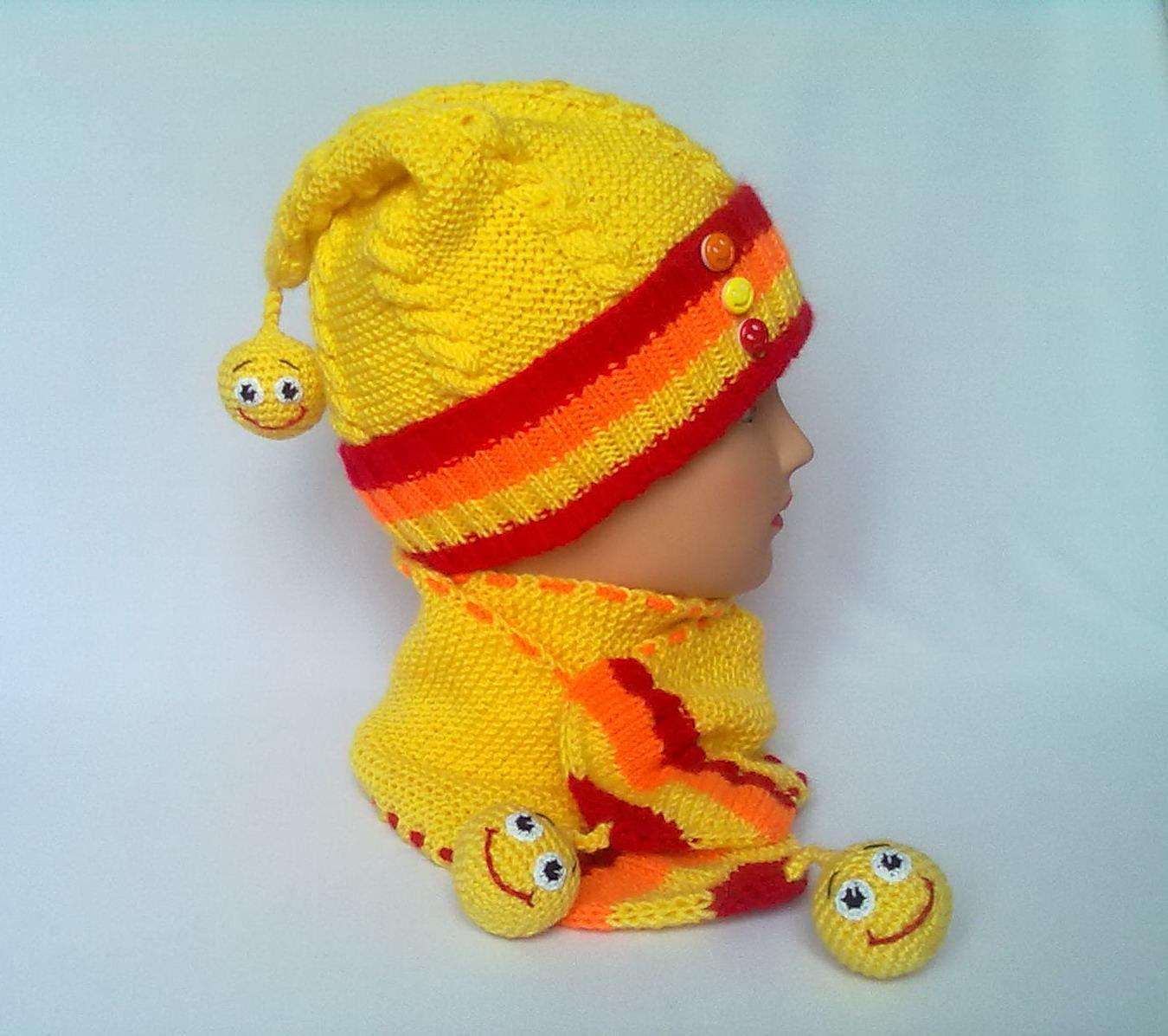 Вязание детских шапочек и шарфика